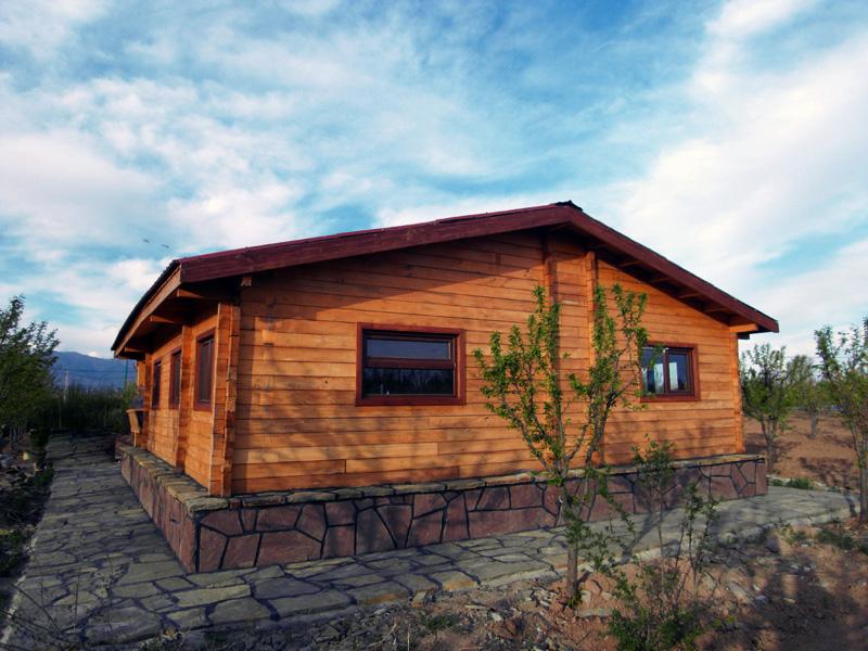 خانه چوبی هشتگرد